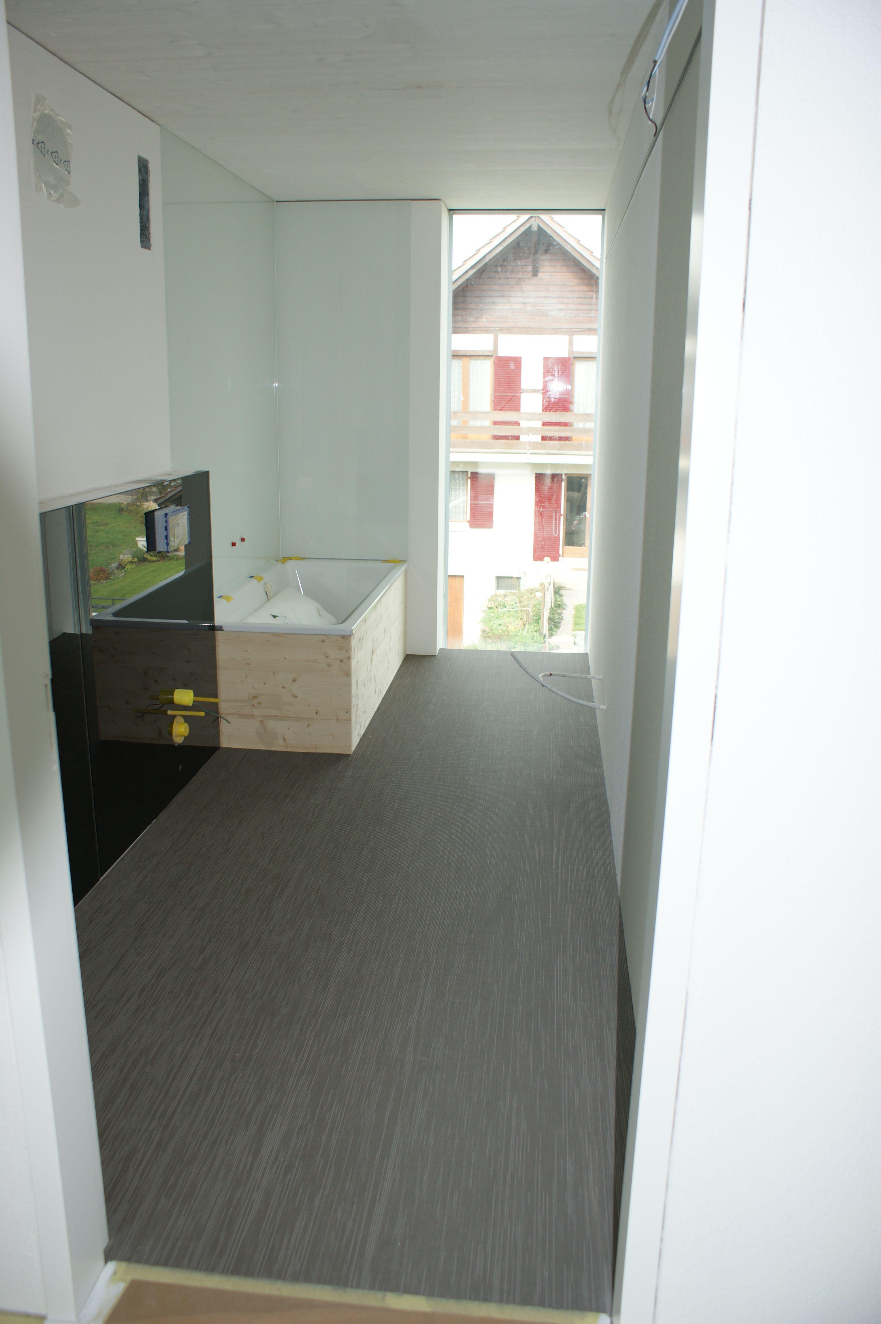 bad und k chen boden ziehen ein moosweg. Black Bedroom Furniture Sets. Home Design Ideas